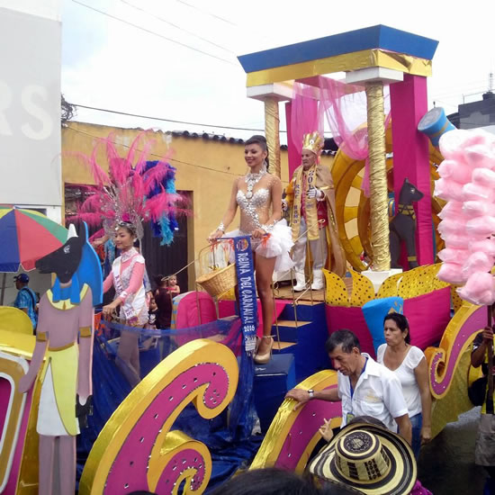 Desfile en el Carnaval de la Frontera