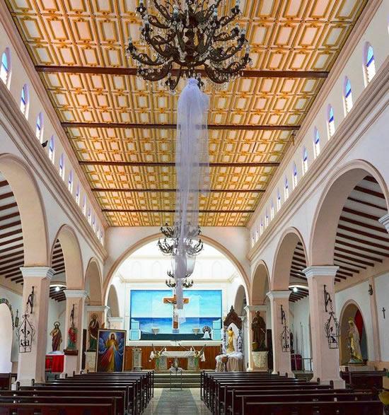 Interior de la Iglesia de San Pedro del Rio